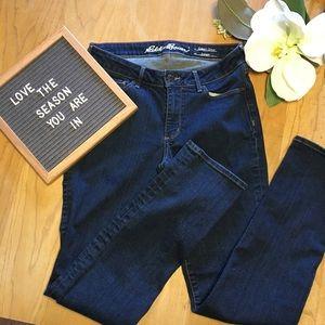 Eddie Bauer Slightly Curvy Straight Jeans size 6